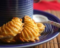 Sesame Seed and Peanut Filled Cookies Recipe