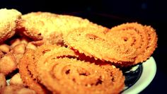 This chakli recipe has poha in it, which makes it a delicious snack.