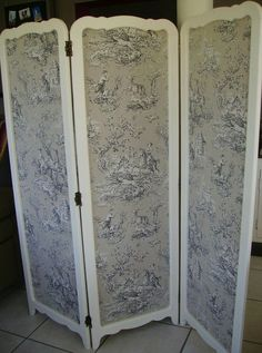 paravent face avant patine production (594x800) Folding Partition, Folding Screens, Shabby Home, Shabby Chic, Changing Screen, Dressing Screen, Bois Diy, Room Screen, Fireplace Screens