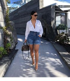 💫 mirelsarai 💫 date outfits, classy outfits, short outfits, spring outfit Fashion Killa, Look Fashion, Girl Fashion, Fashion Outfits, Womens Fashion, French Fashion, Denim Fashion, Ladies Fashion, Classy Outfits