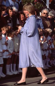 A pregnant Diana, Princess of Wales visits the Isles of Scilly, April She is wearing a maternity dress by Catherine Walker. Get premium, high resolution news photos at Getty Images Princess Diana Pregnant, Princess Diana Rare, Princess Diana Fashion, Princess Diana Pictures, Princess Of Wales, Real Princess, Princess Style, Lady Diana Spencer, Maternity Dresses