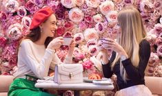 Floral Cafés in London TOP 5 Elan Café, The Ivy Chelsea Garden, Saint Aymes Café, Aubaine Selfridges, Squirrel The most instagrammable cafes in London The prettiest coffee shops in London The London coffee shop
