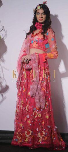To find a style match,click on the following link - http://www.kalkifashion.com/designers.html