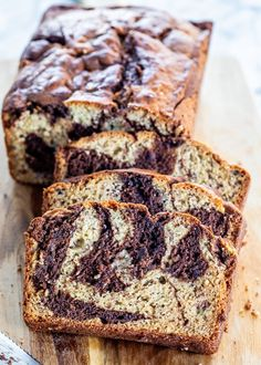 This Marbled Chocolate Banana Bread is a super moist banana bread with swirls of chocolate, simple to make and it's a true decadent treat! Super Moist Banana Bread, Banana Bread Cake, Best Banana Bread, Healthy Banana Bread, Chocolate Chip Banana Bread, Banana Cakes, Banana Nut, Chocolate Chips, Healthy Dessert Recipes