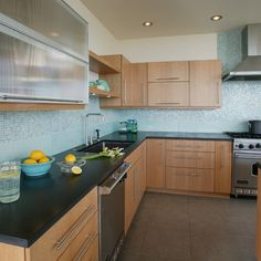 Light Maple Cabinets-- Countertop/Backsplash colour ideas