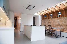 Studio 1 Architects- Residential architecture and Design- London Wimbledon House Architecture Styles, Residential Architecture, Architecture Design, Modern Farmhouse Interiors, Modern Farmhouse Kitchens, Best Kitchen Designs, Kitchen Ideas, Kitchen Craft, Kitchen Dining