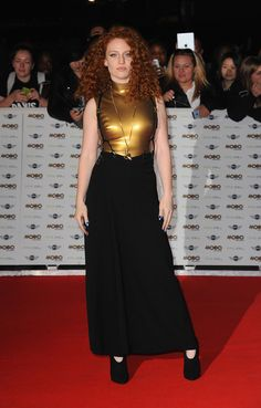 MTV EMA 2015 Best Push e Best New Act: il debole di Jess Glynne per i bomber e non solo -cosmopolitan.it Hulk Sketch, Spandex Girls, Jess Glynne, Bomber, Women Of Rock, Stunning Women, Celebs, Celebrities, Red S