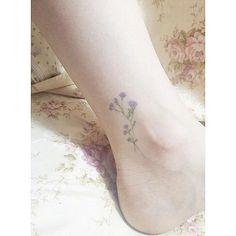 "2,581 Me gusta, 17 comentarios - 🌸Mini Lau (@hktattoo_mini) en Instagram: ""Healed💐  客人來圖  康復後8個月的紋身💐"""