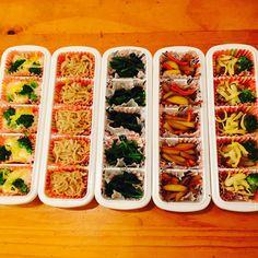 いいね!217件、コメント23件 ― @yuko.bcのInstagramアカウント: 「東京の専門学校生の次女に「オカズが欲しい」と言われたので次男の体育祭に行くついでに冷凍して届けた。 唐揚げ とんかつ グラタン ピーマンの肉詰め チーズハンバーグ 切干し大根 鶏そぼろ…」