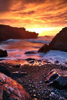 Visit Newfoundland & Labrador, Canada, on holiday with Canadian Affair. Top tips in our destination guide for things to see & do in the province! Beautiful Sunset, Beautiful World, Beautiful Places, Beautiful Pictures, Amazing Sunsets, Newfoundland Canada, Newfoundland And Labrador, Nova Scotia, Cool Landscapes