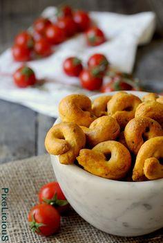 Taralli Pugliesi alla Pizzaiola (con Pomodoro, Parmigiano e Origano)