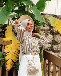 Günaydın 🧡 Şalım @shantuqofficial Yaz serisi 🧡 Hijab Fashion Summer, Hijab Outfit, Outfits, Instagram, Suits, Hijab Tutorial, Kleding, Outfit, Hijabs