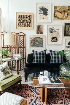 Home Living Room, Living Room Decor, Indie Living Room, Cozy Eclectic Living Room, Vintage Modern Living Room, Eclectic Bedrooms, Bedroom Vintage, Eclectic Decor, Eclectic Design