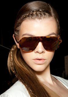 Lacoste: trenzas peinado de moda primavera 2011
