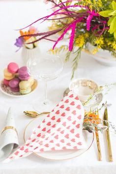Ideen für eine Tischdeko zum Freundinnenfrühstück - jetzt auf ohhhmhhh.de