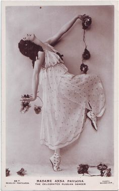 PAVLOVA, Anna. The Celebrated Russian dancer_Beagles; 63 T. Photo Schneider (by Performing Arts / Artes Escénicas)
