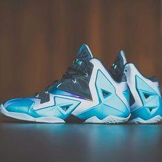 "Releasing: Nike LeBron 11 ""Gamma Blue"" - EU Kicks: Sneaker Magazine Lebron 11, Nike Lebron, Lbj Shoes, Nike Heels, Nike Runners, Kicks Shoes, Sneaker Magazine, Nike Outlet, Nike Fashion"