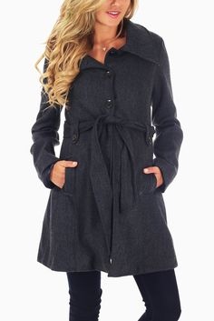 Navy Bue Maternity Coat #maternity #cutematernityclothes #cutematernityjacket #maternityoutfitideas