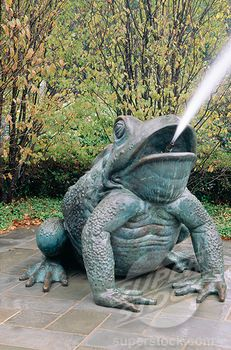 Need a picture with this!! USA, Texas, Dallas, Dallas Arboretum, frog sculpture spitting out water Stock Photo 1486-5001 : Superstock