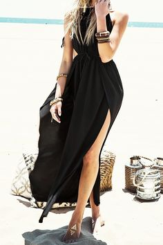 black boho maxi dress for the beach - I want this!