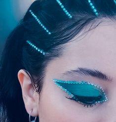 Makeup Eye Looks, Eye Makeup Art, Cute Makeup, Eyeshadow Looks, Pretty Makeup, Beauty Makeup, Hair Makeup, Neon Eyeshadow, Clown Makeup