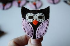 I Like Big Bows: Cute owl clip tutorial (hair clip or party favor)