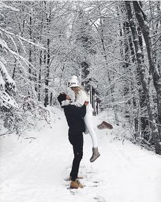 Photography Couples Snow Outfit Ideas For 2019 Winter Photography, Couple Photography, Photography Poses, Editorial Photography, Winter Couple Pictures, Winter Pictures, Couple Photos, Winter Instagram, Photo Instagram