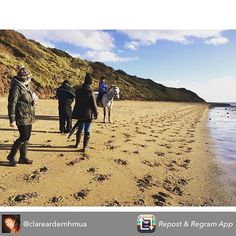 Great behind the scenes shot from our lifestyle shoot yesterday!  Repost from @clareardernhmua #harryhall #equestrian #beach #PhotoShoot #Makeup #horse #jamphotographic #activewear