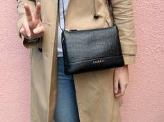 close up saben bag via NZ blog serendipity ave Street Style Blog, Two Best Friends, Serendipity, Messenger Bag, America, Fashion, Bags, Moda, Fashion Styles