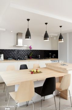 Renovation of an apartment in Fontaines sur Saone, Marion Lanoë – House Side - Kitchen Interior, Kitchen Room, Kitchen Decor, Contemporary Kitchen, Kitchen Dining Room, Kitchen Island Dining Table, Home Kitchens, Kitchen Dinning, Kitchen Design