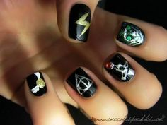 These are so detailed.  Lightning bolt, Slytherin thing (?), Gryffindor sword, Deathly Hallows, and a snitch.