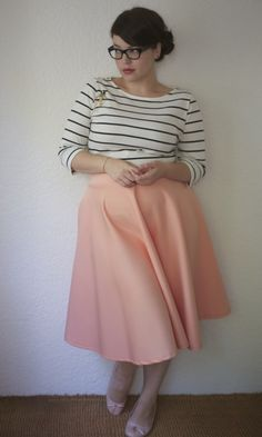 Love this look! I already have a shirt almost exactly like this, just need the neutral-y skirt.