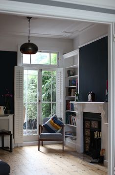 Farrow & Ball Hague Blue No. 30 Estate Emulsion for this gorgeous sitting room Farrow & Ball Hague Blue No. 30 Estate Emulsion for this gorgeous sitting room Related posts:Gathering Tips &. Dark Living Rooms, Living Room With Fireplace, New Living Room, Interior Design Living Room, Living Room Designs, Living Room Decor, Dark Rooms, Blue Lounge, Dark Lounge
