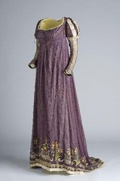 Evening dress, c. 1810, possibly Spanish.