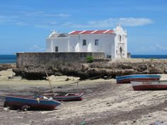 The colonial era Fortim Igreja de Santo Antonio on Mozambique Island overlooks Mozambique Channel. Mozambique Beaches, East Africa, Beach Resorts, Portuguese, Colonial, Island, Mansions, House Styles, Photography