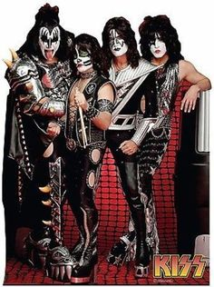 Life-size KISS Group Cardboard Cutout that stands 66 inches tall and 49 inches wide. Free standing cardboard cutout and comes with an easel back that easily folds up. Paul Stanley, Gene Simmons, Banda Kiss, Kiss Group, Life Size Cardboard Cutouts, Rock & Pop, Kiss Band, Hot Band, Rockn Roll