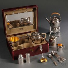 Russian Silver Traveling Tea Service, I sooo wish I owned this! Campaign Furniture, Vintage Picnic, Picnic Set, Antique Boxes, Gold Wash, Tea Caddy, Tea Service, Chocolate Pots, Tea Accessories