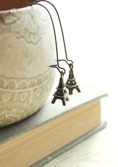 Paris Charm Earrings Eiffel Tower Dangle by apocketofposies... oh my gosh... NEED