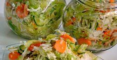 Csalamádé, az örök kedvenc         Hozzávalók :   kb. 4 db 1 literes üveghez   80 dkg paprika  ... Fresh Rolls, Pickles, Food To Make, Cake Recipes, Cabbage, Food And Drink, Homemade, Vegetables, Drinks