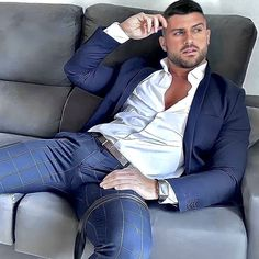 Men In Tight Pants, Hot Men Bodies, Costume Sexy, Hunks Men, Stylish Mens Outfits, Poses For Men, Men In Uniform, Athletic Men, Mens Fashion Suits