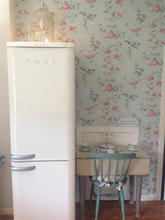 Cath kidston kitchen - oh..look at the wallpaper..