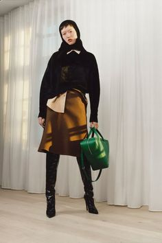 Discover Balenciaga's collections for Women & Men and shop shoes, handbags and ready-to-wear online.