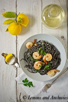 Squid Ink Pasta w/shrimp. White wine garlic sauce w/truffle oil drizzle. Pescatarian Recipes, Healthy Pasta Recipes, Healthy Pastas, Cooking Recipes, White Truffle, Truffle Oil, Shrimp Dishes, Shrimp Pasta, Food N