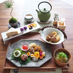 The plate, I wanted to make. Japanese Dishes, Japanese Food, Plate Lunch, Food Presentation, Food Design, Asian Recipes, Food Inspiration, Food To Make, Food Photography