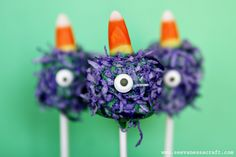 Purple People Eater Pops http://seevanessacraft.com/2012/10/20-crafty-days-of-halloween-purple-people-eater-pop/