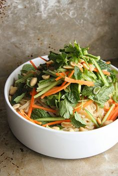 Vietnamese Noodle Bowl Salad by Heather Christo Asian Recipes, Real Food Recipes, Vegetarian Recipes, Cooking Recipes, Healthy Recipes, Ethnic Recipes, Salad Bar, Salad Bowls, Vietnamese Noodle Salad