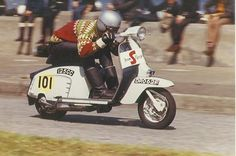 Norman Ronald racing 1967 Lambretta S-Type Scooters Vespa, Piaggio Scooter, Vespa Lambretta, Motor Scooters, Races Style, Scooter Girl, Mini Bike, Racing Team, Team S