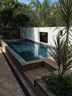Pierre verte piscine ext rieur et bassins terrasse for Construction piscine zone verte