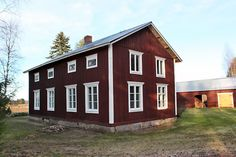 Upea talo! School Building, Building A House, Treehouses, Home Fashion, Country Style, Old Houses, Finland, Old School, Beautiful Homes