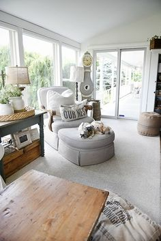 Farmhouse sunroom makeover - Using magnolia home paint. A must see for farmhouse makeover inspiration!